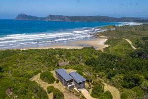 Cloudy Bay Beach House phantom drone aerial image