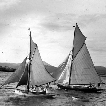 The Volant winning the first Ocean Race in 1898